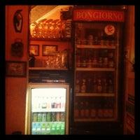 8/19/2012 tarihinde Jr. D.ziyaretçi tarafından Bongiorno Pizzaria'de çekilen fotoğraf