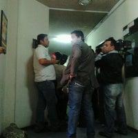 Photo taken at Fiscalía Especializada en Delitos Económicos y Anticorrupción by Rolfi G. on 5/22/2012