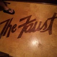 รูปภาพถ่ายที่ The Historic Faust Hotel & Microbrewery โดย Lynae H. เมื่อ 7/20/2012