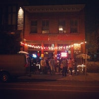 8/31/2012 tarihinde Rande K.ziyaretçi tarafından Larimer Lounge'de çekilen fotoğraf