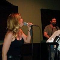 รูปภาพถ่ายที่ The Hit Joint Studios โดย Reazor เมื่อ 7/16/2012