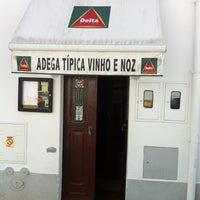 Photo taken at Restaurante Vinho e Noz by Gabriel S. on 4/7/2012