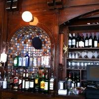 Foto diambil di Buena Vista Cafe oleh Rik W. pada 5/3/2012