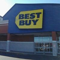 Photo taken at Best Buy by Chris N. on 2/3/2012