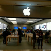 Photo taken at Apple Store by Yut S. on 6/14/2012