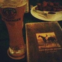 Foto tirada no(a) The Black Horse Gastropub por Rodrigo F. em 7/27/2012