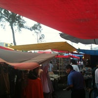 Photo taken at Tianguis San Felipe de Jesús by Rafael A. on 5/6/2012