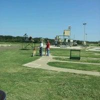 9/7/2012 tarihinde Travis L.ziyaretçi tarafından Elm Fork Shooting Range'de çekilen fotoğraf