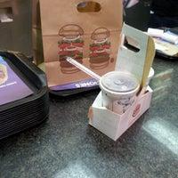 Foto tomada en Burger King por Juan Carlos T. el 9/13/2012