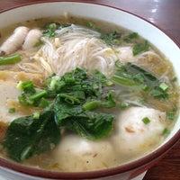 Photo taken at Restoran Apiwon by Hansen F. on 2/7/2012
