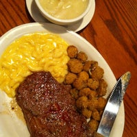 Photo taken at Cracker Barrel Old Country Store by Cynthia N. on 7/1/2012