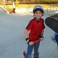 Foto tomada en Historic Fourth Ward Skatepark por Matthew M. el 3/10/2012