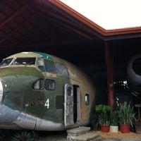 Foto tirada no(a) El Avion Restaurant por Adry G. em 8/4/2012