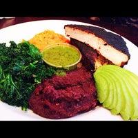 Das Foto wurde bei Chicago Diner von Brandon T. am 3/30/2012 aufgenommen