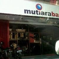Photo taken at Bank Mutiara by Nourma l. on 5/11/2012