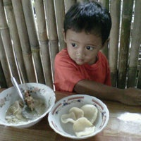 Photo taken at Bubur ayam pak radi by prima k. on 2/19/2012