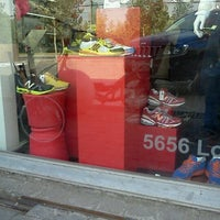 Photo taken at Tienda New Balance by Cristian M. on 4/5/2012