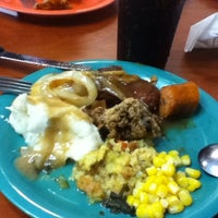 Photo taken at Golden Corral by Rá S. on 4/15/2012