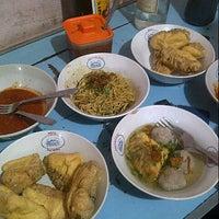 Photo taken at Batagor H. Isan by uli c. on 8/24/2012