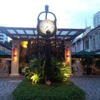 Photo taken at Albert Court Village Hotel by Skywalker on 8/6/2012