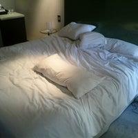 Foto tomada en Axel Hotel por John el 7/13/2012