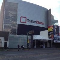 Foto tomada en Teatro Diana por Rob el 7/12/2012