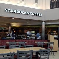 Photo taken at Starbucks by Namfah N. on 5/16/2012