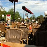 Das Foto wurde bei Restaurant Mustang von Frank R. am 4/29/2012 aufgenommen