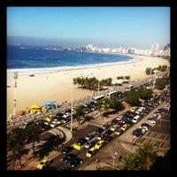 Foto tirada no(a) Atlântico Praia Hotel por Ziul F. em 8/8/2012