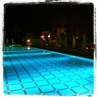 Das Foto wurde bei Q Premium Resort Hotel Alanya von Роман Р. am 5/18/2012 aufgenommen