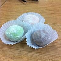 Foto tomada en Mikawaya por Ellene O. el 3/28/2012