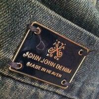 Foto tirada no(a) John John por Eduardo N. em 3/4/2012