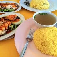 Photo taken at Tat Nasi Ayam by Ikhwanzz on 8/25/2012