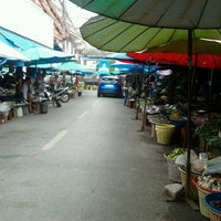 Photo taken at Hat Yai Nai Market by กาญจนา ว. on 5/28/2012