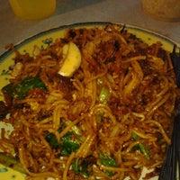 Photo taken at Haji Tapah Nasi Kandar (Melawati Foodcourt) by Kimi D. on 6/12/2012