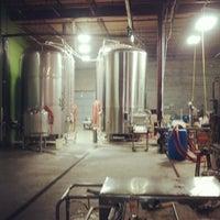 Foto tomada en Red Brick Brewing Company por Kenneth C. el 8/11/2012