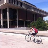 Foto diambil di Milner Library oleh James S. pada 6/14/2012
