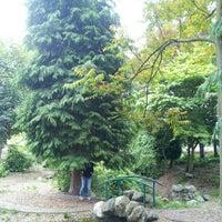 Das Foto wurde bei Katie Black's Garden von James W. am 6/6/2012 aufgenommen