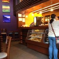 Foto tomada en Alexander Coffee por Rossely N. el 9/3/2012