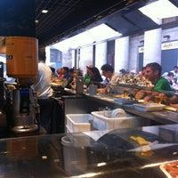 Foto tomada en Kiosko Universal por Sergio W. S. el 5/22/2012