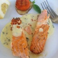 รูปภาพถ่ายที่ City Club Restaurant โดย Irina M. เมื่อ 4/27/2012