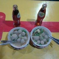 Photo taken at Warung Bakso Soponyono by Rian H. on 6/19/2012