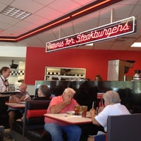 Photo taken at Steak 'n Shake by Krishen G. on 9/4/2012