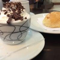 Photo taken at Grão Espresso by Ney R. on 5/24/2012