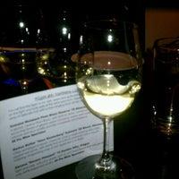Foto tomada en CRÚ - A Wine Bar por Cordelia C. el 2/25/2012