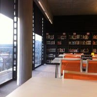 Foto tomada en Biblioteca Nicanor Parra por Daniela M. el 8/29/2012