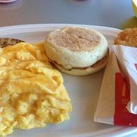 Photo taken at McDonald's / McCafé by Nurul A. on 7/2/2012
