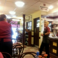 Photo taken at Papa's Fish & Chips by Claire D. on 9/3/2012