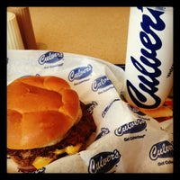 Photo taken at Culver's by Fabio G. on 4/26/2012