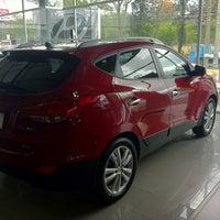 Photo taken at Hyundai by Esteban V. on 3/13/2012